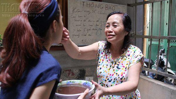 Bát canh cá của 'bà chủ nhà trọ tốt bụng nhất Hà Nội'
