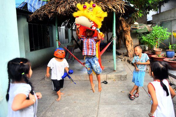 Tết ở xóm trọ nghèo - Quê hương thứ hai của những người con xa quê